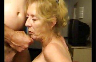 Tiré femme blonde toute nue beauté tchèque baisée dans une voiture POV