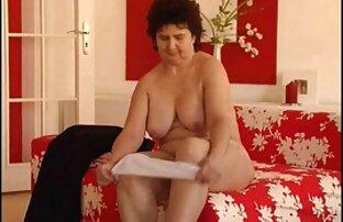 adolescents femme nue en cabine excités