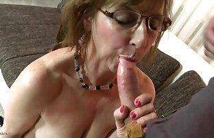 MILF fille nue canon chaude et son jeune amant 682