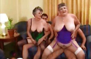 Faire l'amour à la manière lesbienne avec Jo fille danse nue et Klaudia sur Sapphic