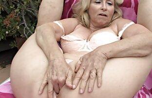 Mature des belles femmes nues dans gangbang interracial