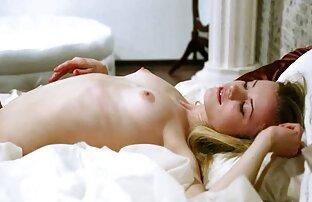 Blonde asiatique LV Sloppy meufs bonnes nues pipe et faciale