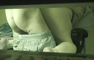 Brenda James ayant des relations sexuelles lesbiennes avec une fille manga toute nue jeune fille