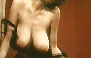 MILF chaude et son jeunes asiatiques nues jeune amant 619