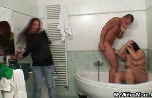 BBW se fait baiser les plus beau sein nue du monde dans un bureau et couvert de sperme