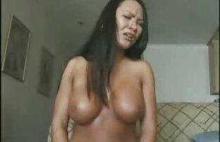 Gros seins naturels rebondissant de haut en bas femmes nues petits seins # 100